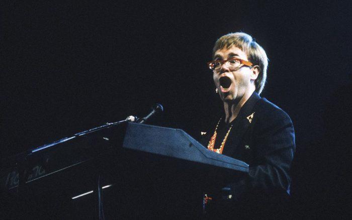 EL VUELO DE ELTON JOHN